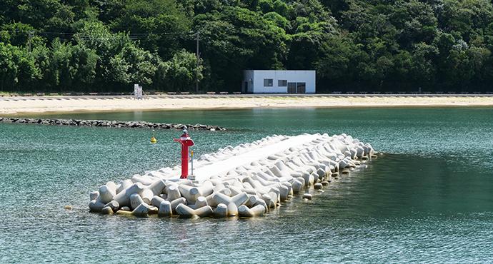 海と消波ブロック